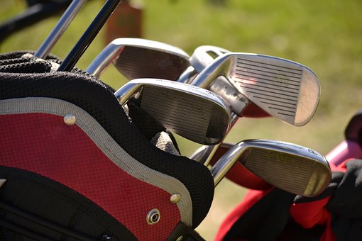 中古のゴルフバッグ販売