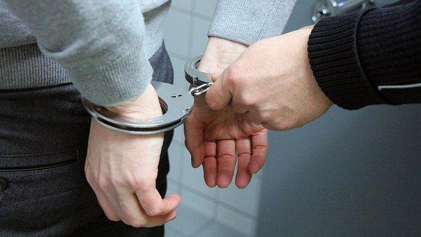 無許可の古物営業で逮捕された