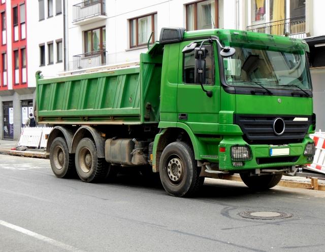産業廃棄物収集運搬用トラック