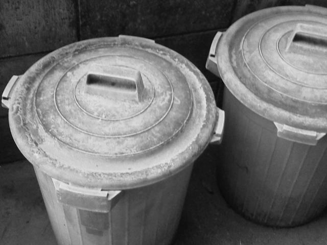 産業廃棄物収集運搬用ポリバケツ
