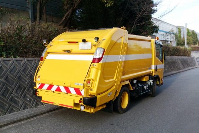 産業廃棄物収集運搬用のパッカー車
